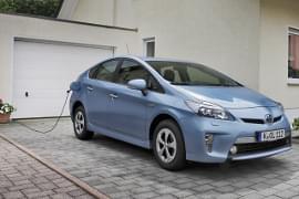 Toyota Prius Plug-in-Hybrid beim Aufladen