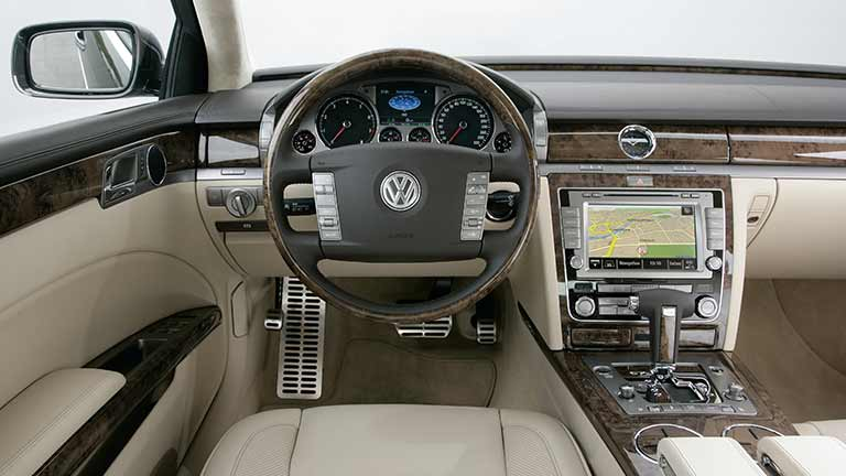 volkswagen phaeton occasion tweedehands auto auto kopen autoscout24. Black Bedroom Furniture Sets. Home Design Ideas